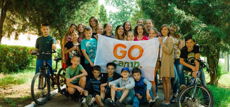 Call for volunteers from all over the world to come to Ukraine and teach English, German or French to Ukrainian children